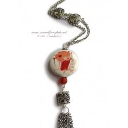Sautoir orné d'une perle en porcelaine illustrée d'une Kokeshi