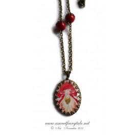 Collier et pendentif cobochon illustrée d'une fée papillon