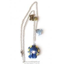 Sur demande réalisation d'un collier avec pendentif personnage Kokeshi en pate polymère fait main