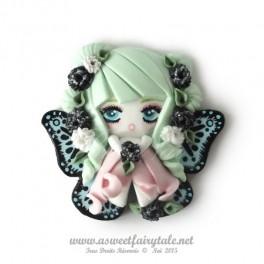 Broche fimo Fée papillon Tons vert et noir en pate polymère fait main