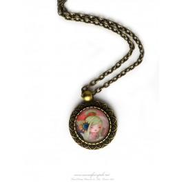 Collier pendentif kokeshi cabochon verre illustré 18x18 mm