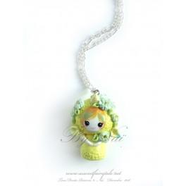 Collier avec pendentif poupée Licorne kawaii pet Tons jaune en pate polymère fait main