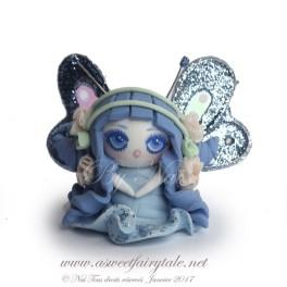 Petite fée bleu figurine poupée en pâte polymère fimo, 3 cm style manga